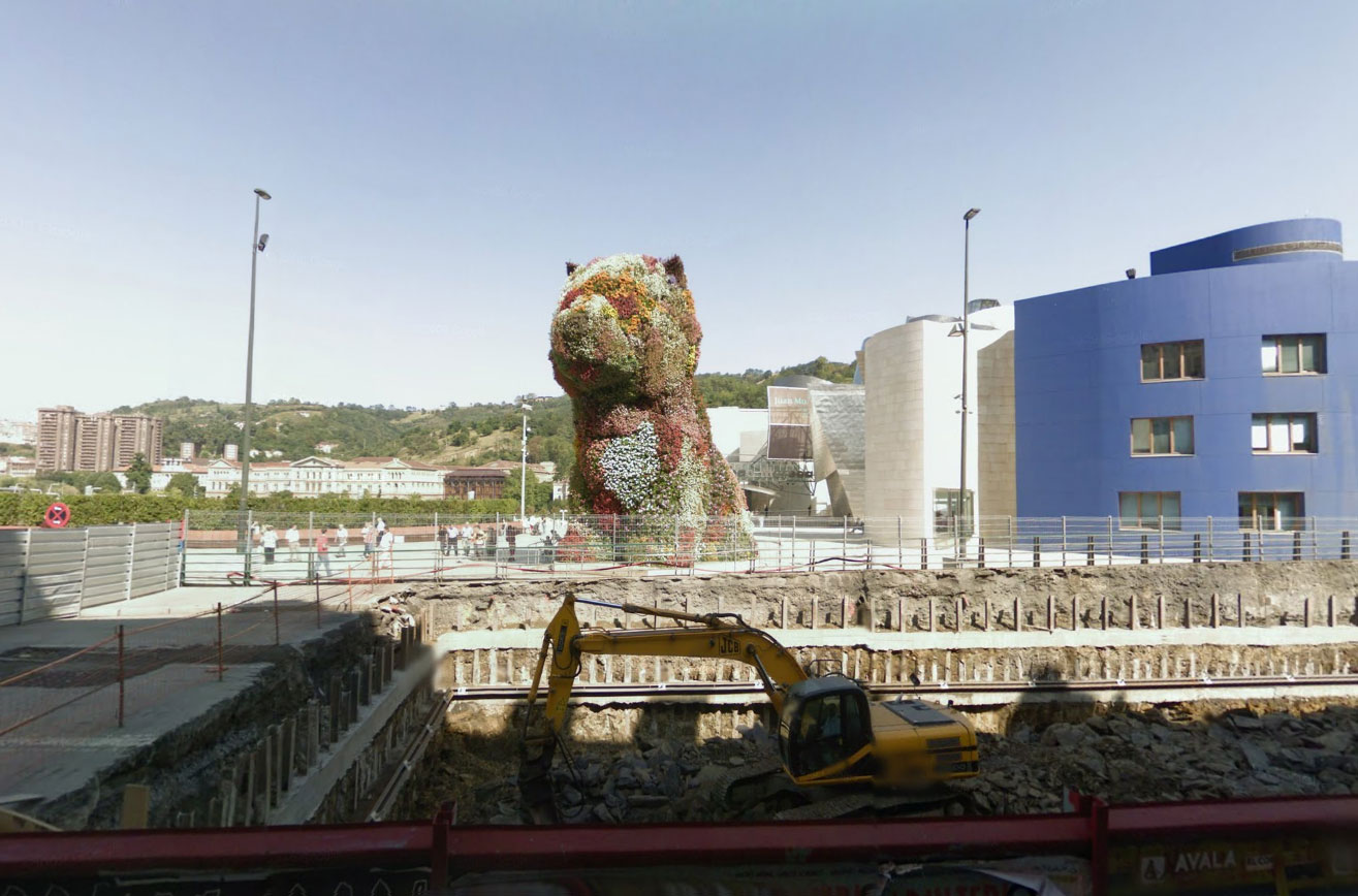 Claude Closky, Screen Shot, Alameda de Mazarredo, Bilbao, España, Jeff Koons, Puppy, 1992-1997