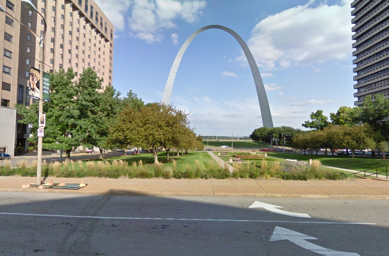 Claude Closky, Screen Shot, North 4th Street, Saint Louis, Missouri, United States, Eero Saarinen, Gateway Arch, 1966
